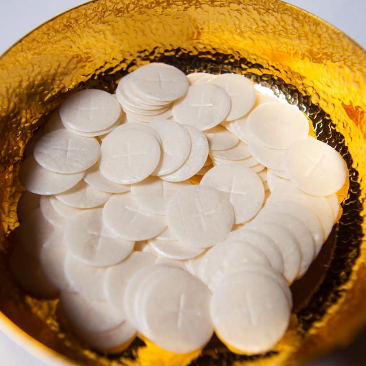 Ciborium bowl with Hosts